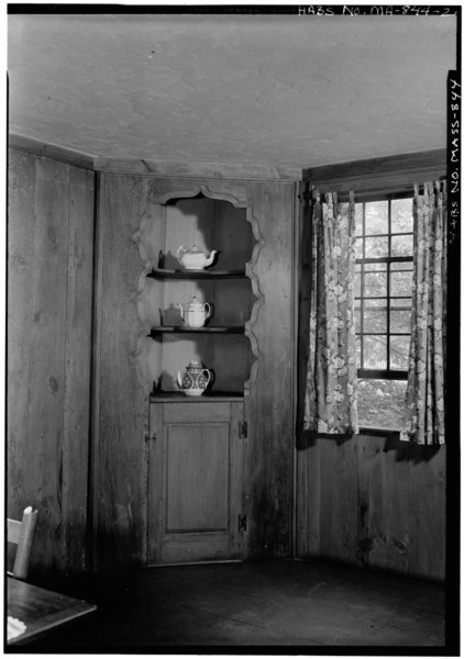 File:INTERIOR, OLD KITCHEN, CUPBOARD, CHINA, WEST ROOM, FIRST FLOOR-REAR - John Atkinson Tavern, Exposition Grounds (moved from Prescott, MA), West Springfield, Hampden County, MA HABS MASS,7-SPRIFW,5-2.tif