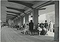 """Ignacy Płażewski, Poczekalnia na pętli (""""krańcówce"""") tramwajów podmiejskich przy ulicy Północnej w Łodzi, I-4718-1.jpg"""