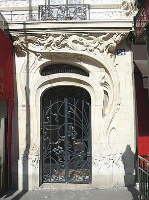 Art Nouveau - Doorway at 24 place Etienne Pernet, (Paris 15e), 1905 Alfred Wagon, architect.