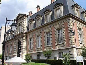 Pasteur Institute - The building hosting the Museum and the funeral chapel of Pasteur