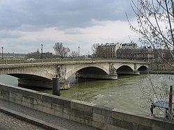 Invalides-bridge.jpg