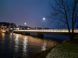 Jersøy Bridge, night.jpg