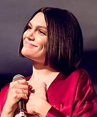 Jessie J performing live at The Peppermint Club 05 (cropped)