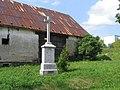 Kříž na severovýchodním okraji Jiříkova při silnici do Kněžpole (Q72850242) 02.jpg