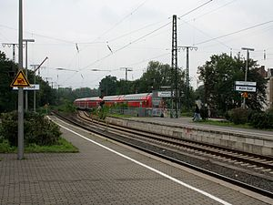 Köln Süd station - Northwestern passenger exit from platform 3/4 only on the right
