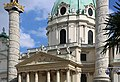 Karlskirche Wien Juni 2014 b.jpg