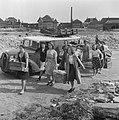 Katwijk aan Zee, badgasten, voedsel, transporten, Bestanddeelnr 900-8129.jpg