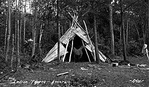 Kenora - Ojibwa tipi, Kenora, 1922.