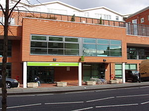 English: Kensal Road JobCentre Plus office New...
