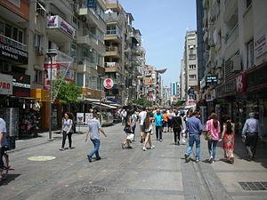Alsancak - Kibris Sehitleri Caddesi is the most popular street in Alsancak