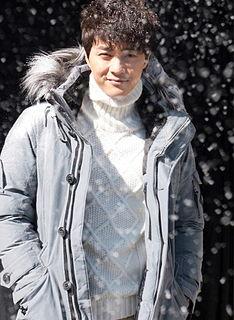 Kim Ji-hoon (actor, born 1981) South Korean actor born 1981