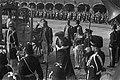 Koningin Juliana en prins Bernhard arriveren op het Binnenhof, Bestanddeelnr 924-9543.jpg