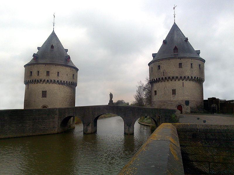Broel towers and bridge (12th c)