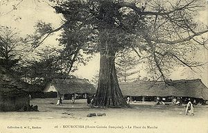 Kouroussa market square, seen in a French image from 1911