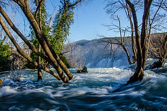 Kravice Waterfalls (16298836824).jpg