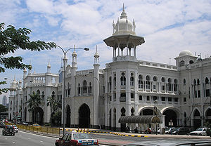 Kuala Lumpur railway station - The frontal design of the station is comparable with that of local buildings in the same architectural style, such as the Jamek Mosque.