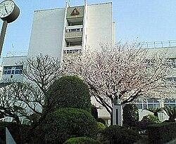 https://upload.wikimedia.org/wikipedia/commons/thumb/7/71/Kurume_University_High_School.jpg/250px-Kurume_University_High_School.jpg