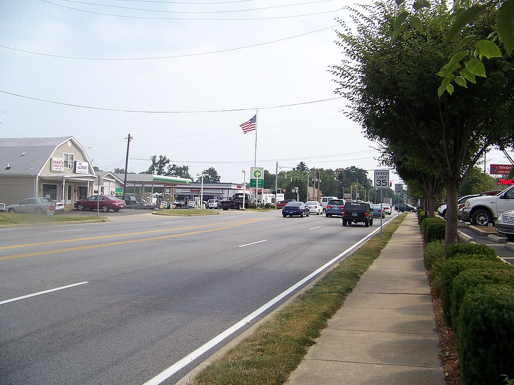 The population density of Lyndon in Kentucky is 1169.18 people per square kilometer (3030.85 / sq mi)