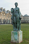La Baigneuse drapée by Aristide Maillol (Tuileries) 02.jpg