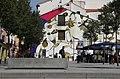 """La flor favorita de Mandela """"invade"""" una pared en Lavapiés como homenaje (01).jpg"""