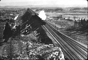 Lackawanna Cut-Off - Westbound Lackawanna Limited near Pequest Fill circa 1912.
