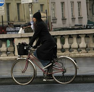 Transport in Paris - Cycling is common in Paris.