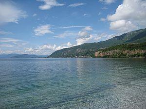 Den Ohridsee teilt sich Mazedonien mit Albanien