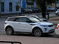 Land Rover Range Rover Evoque Coupe SD4 Dynamic 2013 (16559561974).jpg
