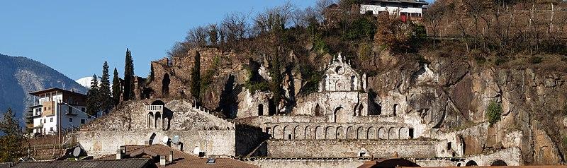 File:Lavis-Giardino dei Ciucioi-panorama from south.jpg