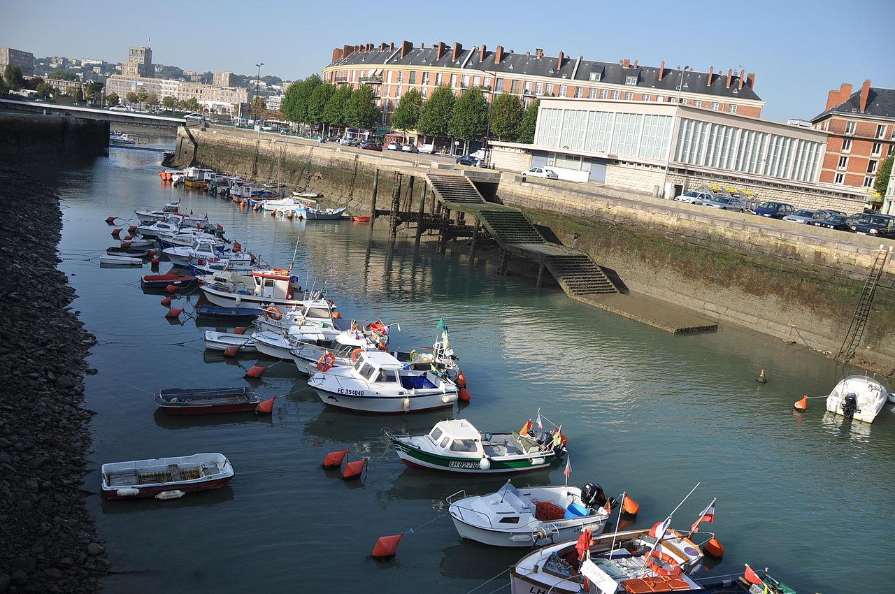 Fichier:Le Havre (France), Bassin du Roy, low tide.JPG ...