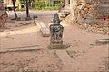Les 4 fleuves sacrés symbolisés au centre du temple Lolei (Angkor) (6823436858).jpg