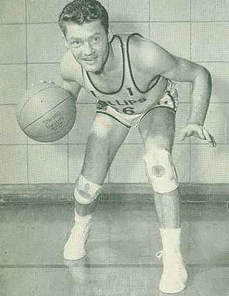 Lew Beck (basketball) - Beck with the Phillips 66ers.