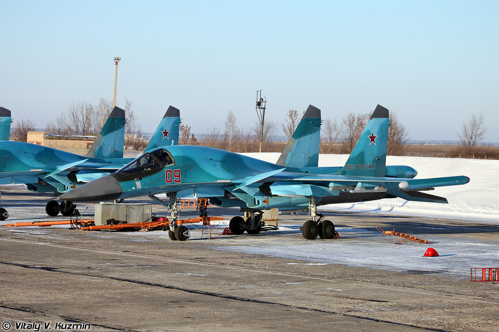 "ECM ""Khibiny"" wing tip module  on Su-34"