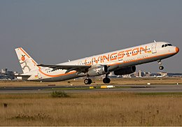 Livingston Energy Flight Airbus A321 Simon.jpg