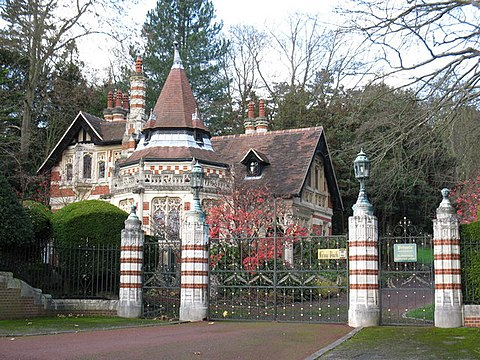 The entrance and gatehouse at Harrison's Friar Park estate. In December 1999, he and his wife Olivia were the victims of a knife attack by an intruder. Lodge at Friar Park - geograph.org.uk - 1588804.jpg