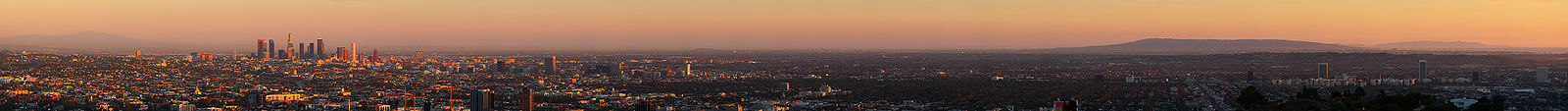 Panorama of Los Angeles as viewed from Mulholland Drive. Left to right: Santa Ana Mountains, downtown, Hollywood (foreground), Wilshire Boulevard, Port of Los Angeles, Palos Verdes Peninsula, Santa Catalina Island, and LAX