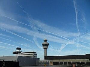 LuchthavenSchipholMetLucht.jpg