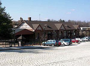 Kemper Street station - Greyhound Terminal along Kemper Street