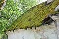Mālpils (Lemburg) muižas saimniecības ēkas jumts ar sūnām un seniem dakstiņiem, Mālpils, Mālpils pagasts, Mālpils novads, Latvia - panoramio.jpg