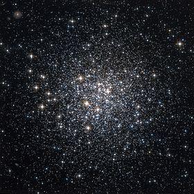 M72 Hubble WikiSky.jpg