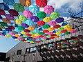 MOM Sportközpont, esernyők. - 2016 Hegyvidék.jpg