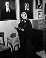 MS.9101; Photographs concerning Florence Ni Wellcome L0030236.jpg