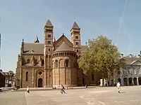 Maastricht, kerk bij Vrijthof 2007-04-27 12.18