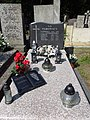 Maciej Parowski grób.jpg
