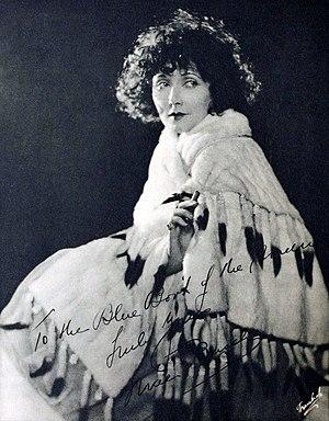 Mae Busch - Image: Mae Busch The Blue Book of the Screen