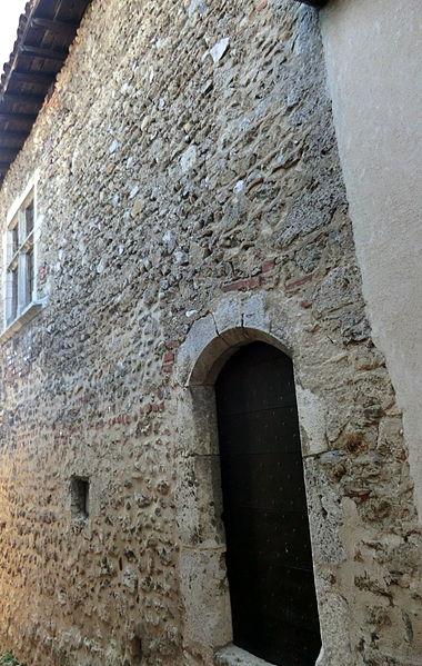 Maison des Dîmes côté rue des contreforts