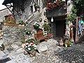 Maison fleurie à Yvoire 3.jpg