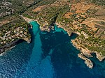 Mallorca Bucht Westküste (30697041462).jpg