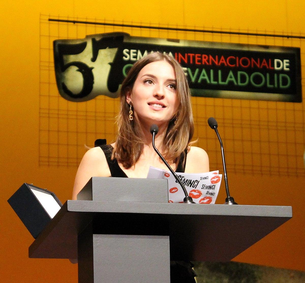 María Valverde - ...