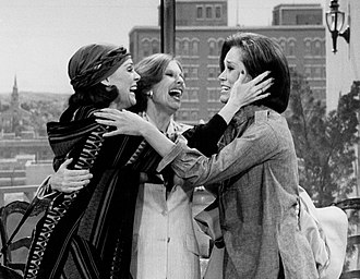 Harper with Mary Tyler Moore and Cloris Leachman in the final episode of The Mary Tyler Moore Show (1977) Mary Tyler Moore Valerie Harper Cloris Leachman Last Mary Tyler Moore show 1977.JPG